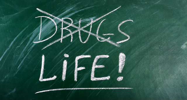 How-to-live-a-drug-free-life-Ways-to-support-clients-after-addiction-treatment-2